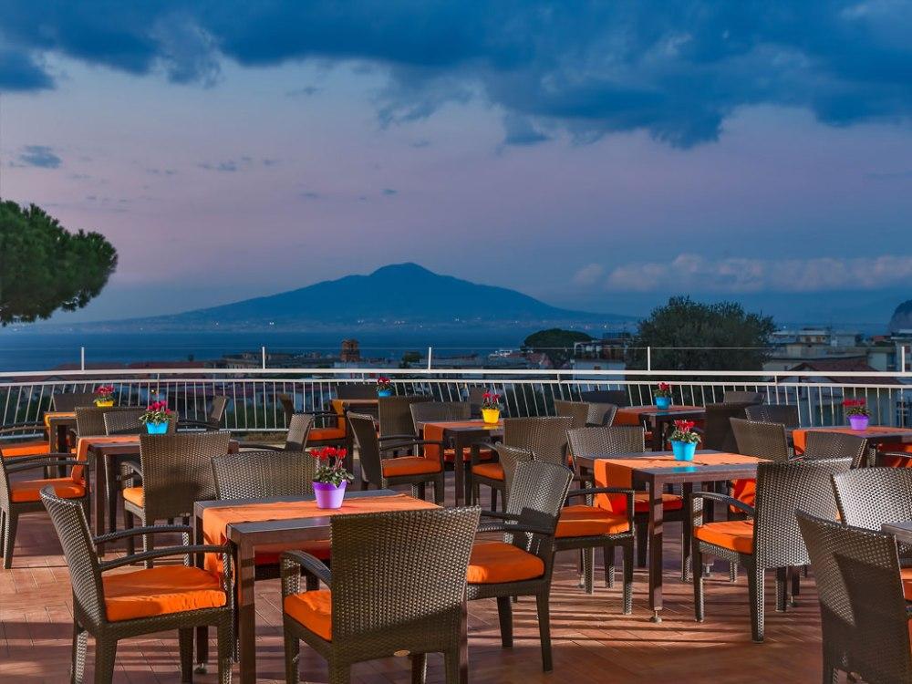 sorrento-restaurant-terrace-1024x768