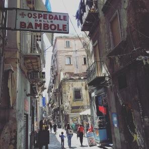 Via San Biagio dei Librai e il suo Ospedale delle Bambole
